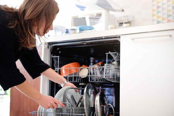 Швеции посудомоечную машину